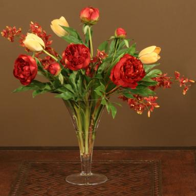 red-roses-yellow-tulips-in-short-wide-opening-trumpet-vase